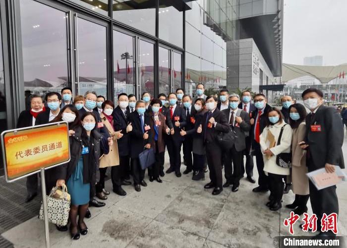 上海市政协港澳委员:疫情防控常态化下沪港青年交流可有新尝试